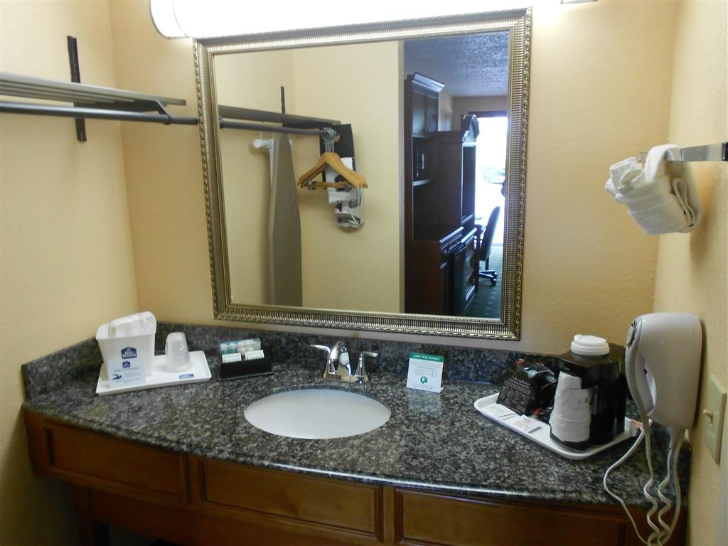 Best Western St. Augustine Beach Inn - Guest Bathroom Vanity
