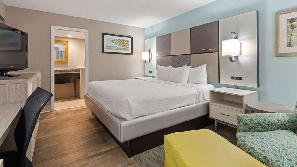 Best Western St. Augustine Beach Inn - enjoy the comfort of our King guest room.