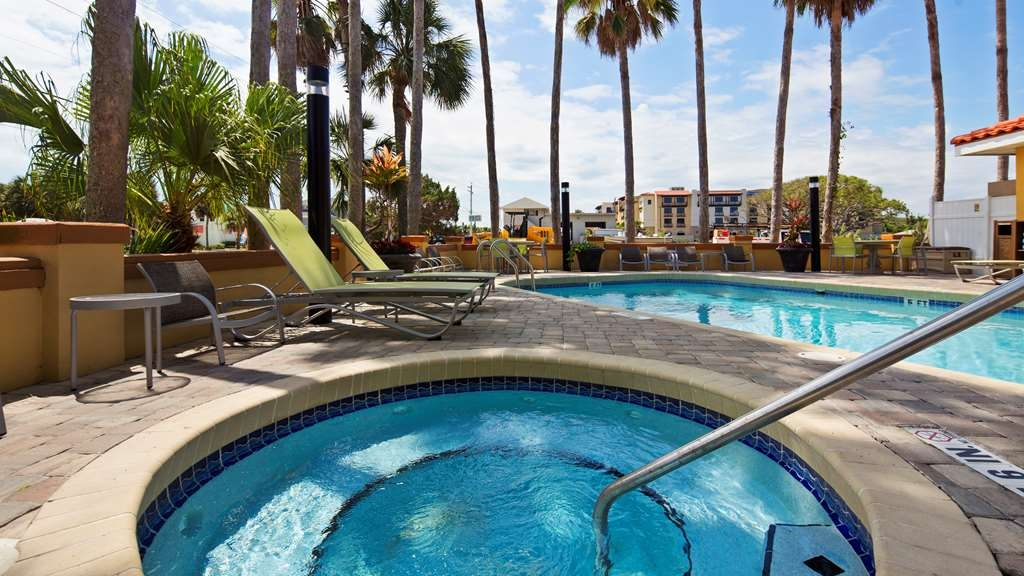Best Western St. Augustine Beach Inn - Relaxing hot tub with beautiful view