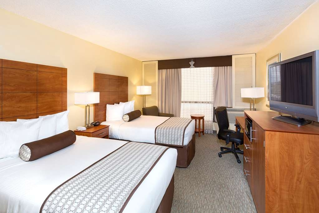 Best Western Orlando Gateway Hotel - Our double bedded guest room is spacious and offers you a comfortable place to unwind.