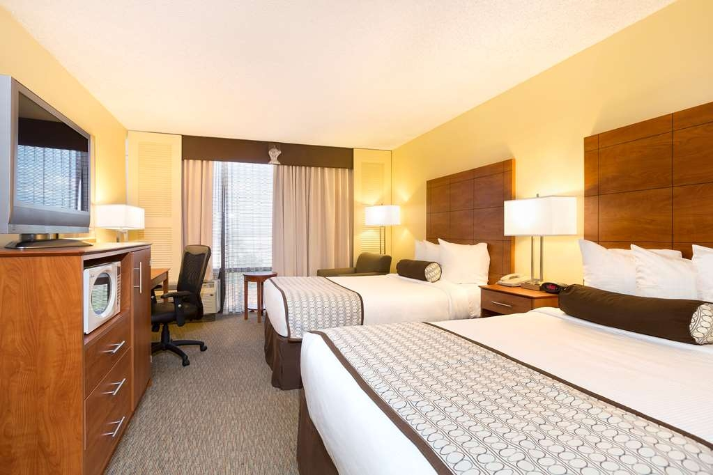 Best Western Orlando Gateway Hotel - Our two double bedded rooms offer spacious rooms for you to relax.
