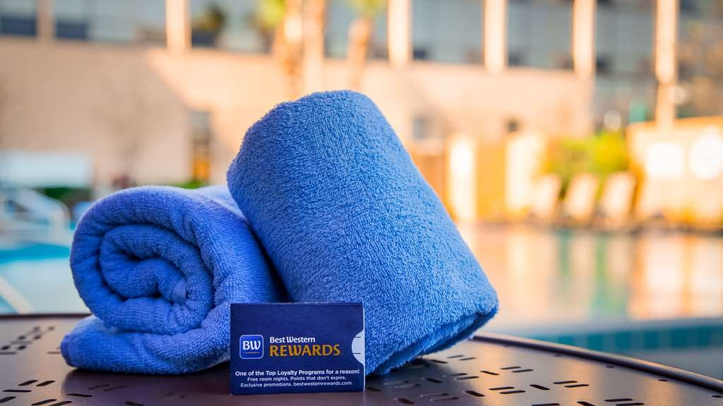 Best Western Orlando Gateway Hotel - Outdoor Pool Area