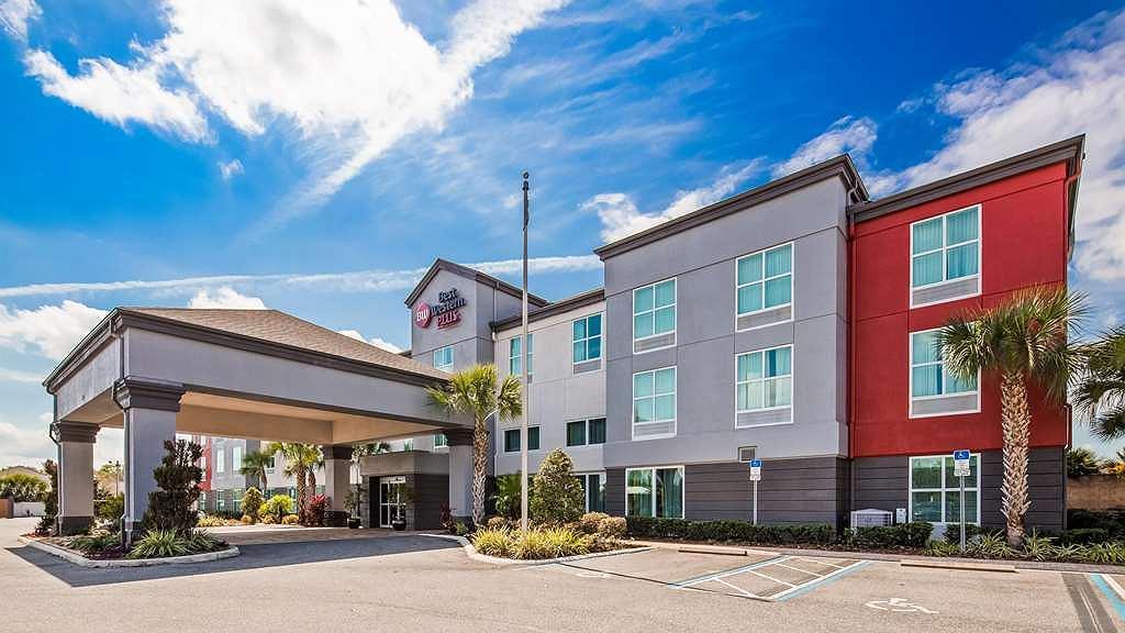 Best Western Plus Chain of Lakes Inn & Suites - Vista exterior