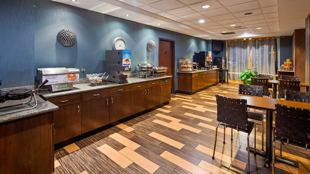 Best Western Plus Chain of Lakes Inn & Suites - Restaurante/Comedor