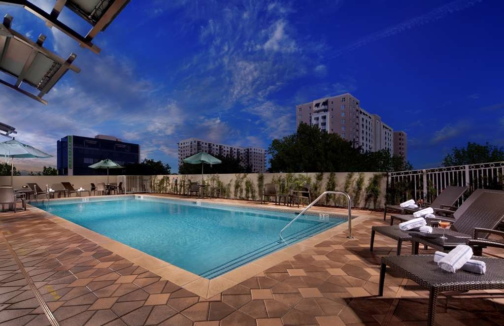 Best Western Premier Miami Intl Airport Hotel & Suites Coral Gables - Piscina