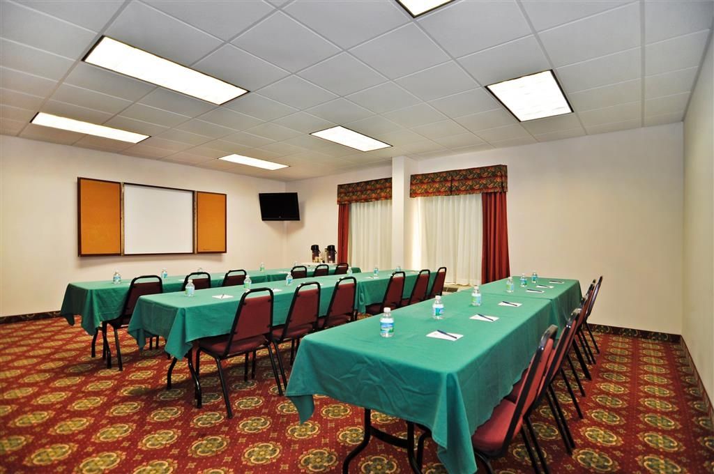Best Western Plus Madison Inn - Meeting Room