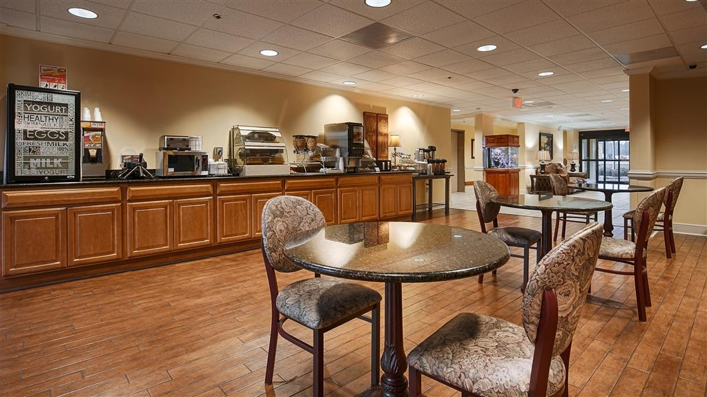 Best Western Plus Madison Inn - Breakfast Area