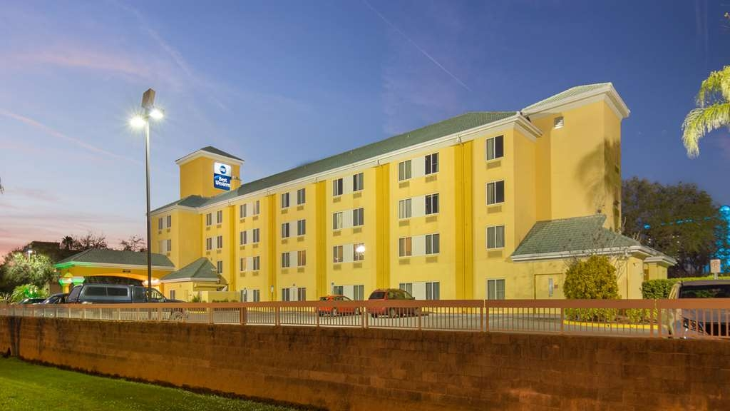 Best Western Orlando Convention Center Hotel - Facciata dell'albergo