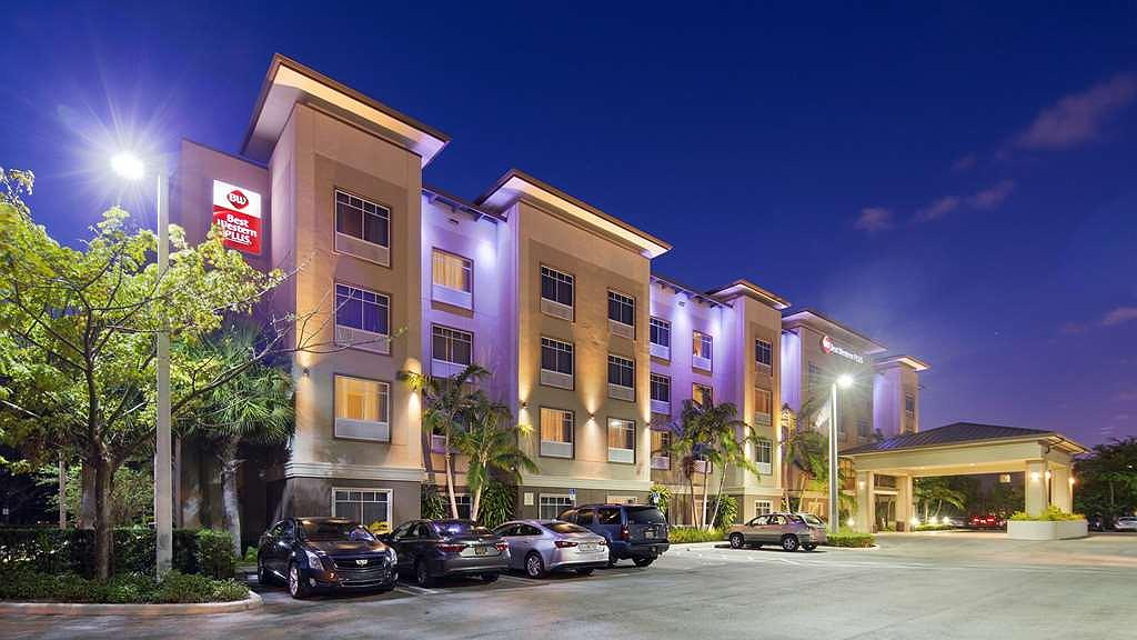 Best Western Plus Miami Airport North Hotel & Suites - Area esterna