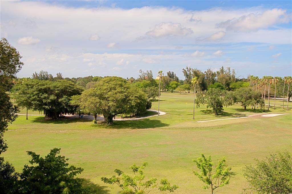 Best Western Plus Miami Airport North Hotel & Suites - Campo da golf