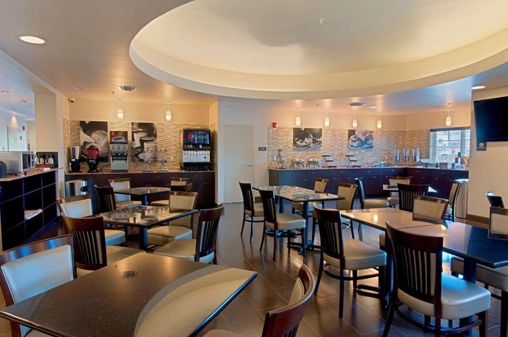 Best Western Plus Miami Airport North Hotel & Suites - Zona de desayunos