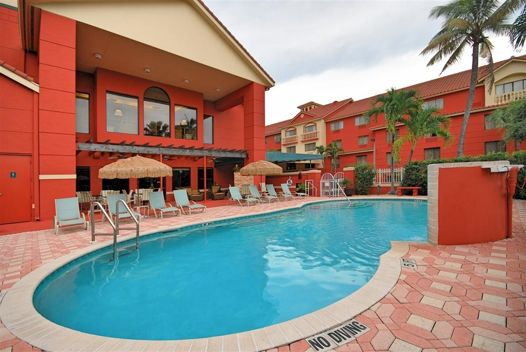 Best Western Plus Palm Beach Gardens Hotel & Suites and Conference Ct - Vista de la piscina