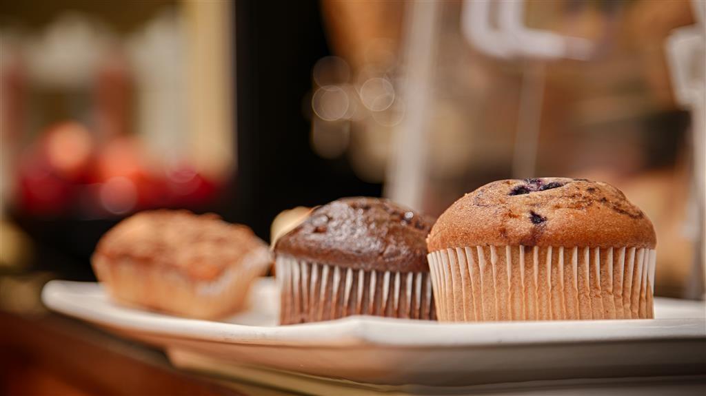Best Western Plus Bradenton Hotel & Suites - Prima colazione a buffet