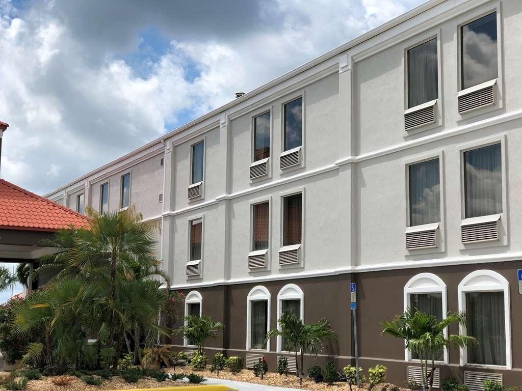 Best Western Plus Bradenton Hotel & Suites - Außenansicht des Hotels