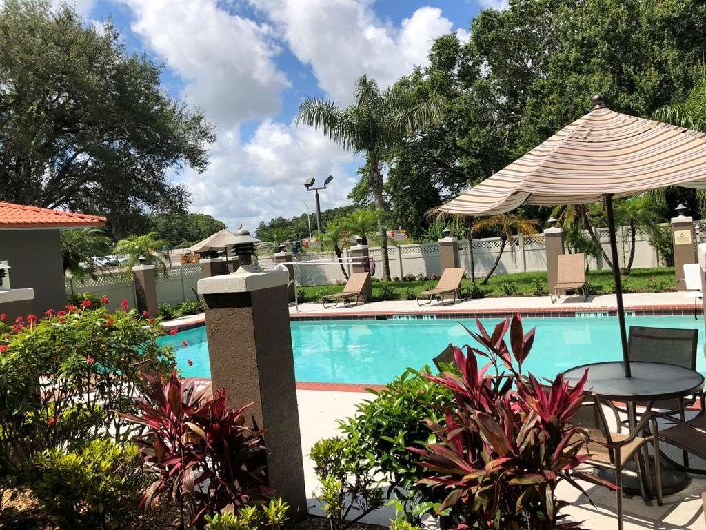 Best Western Plus Bradenton Hotel & Suites - Schwimmbad