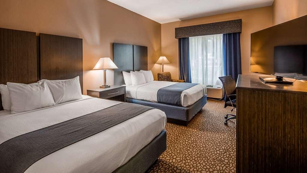 Best Western Plus Bradenton Hotel & Suites - Guest Room