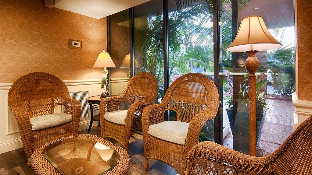 Fine Hotel In Sarasota Best Western Plus Siesta Key Gateway Ibusinesslaw Wood Chair Design Ideas Ibusinesslaworg
