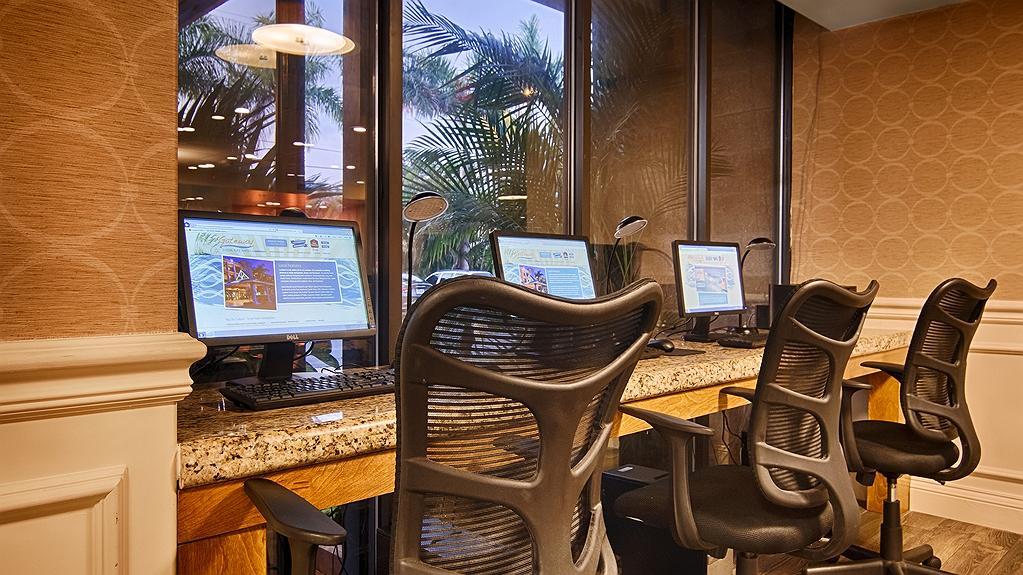 Marvelous Hotel In Sarasota Best Western Plus Siesta Key Gateway Ibusinesslaw Wood Chair Design Ideas Ibusinesslaworg