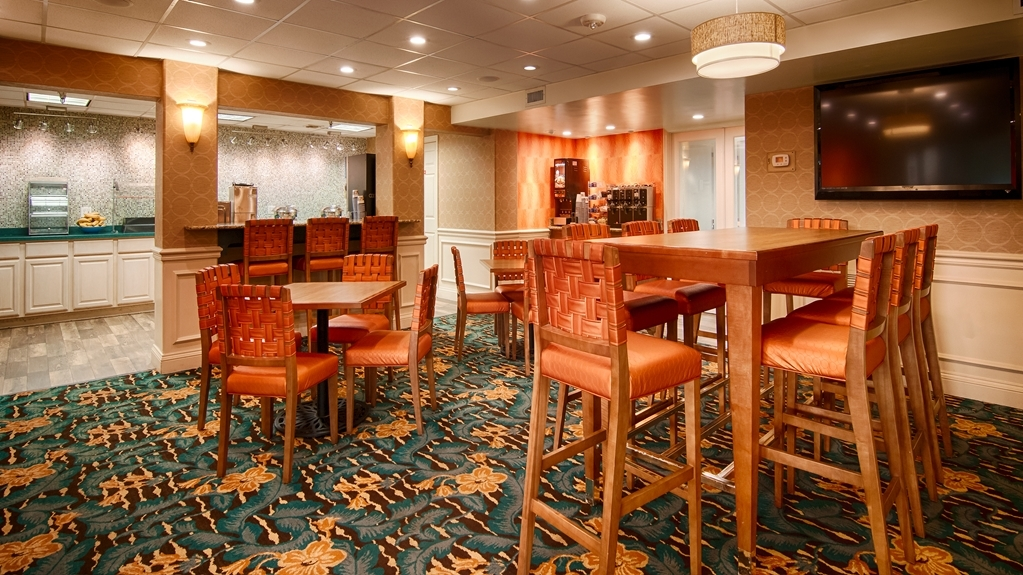 Best Western Plus Siesta Key Gateway - Prima colazione a buffet