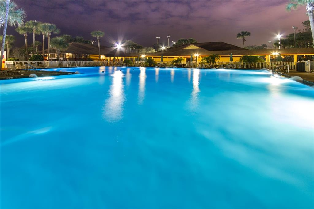 Best Western International Speedway Hotel - Piscina