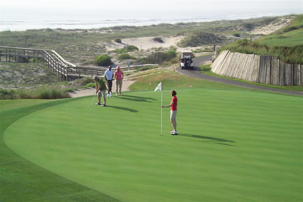 Best Western Plus First Coast Inn & Suites - Campo de golf