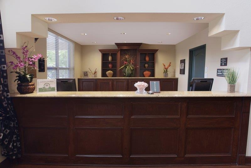 Best Western Plus First Coast Inn & Suites - recepción