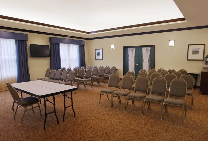 Best Western Plus First Coast Inn & Suites - Sala de reuniones