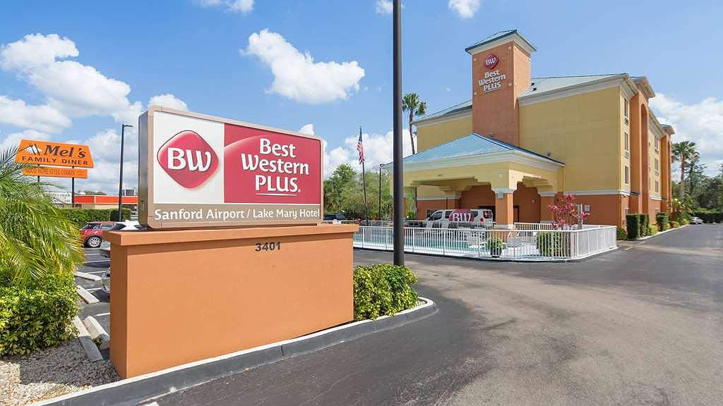 Best Western Plus Sanford Airport/Lake Mary Hotel - Pull up and make yourself at home at the Best Western Plus Sanford Airport/Lake Mary Hotel.