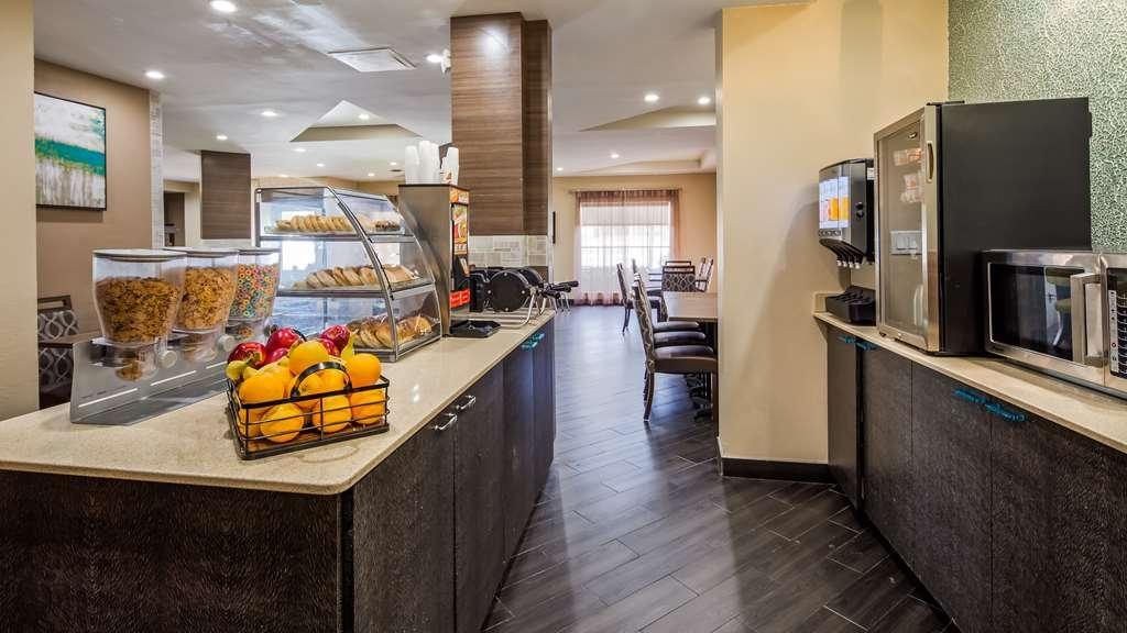 Best Western Plus Sanford Airport/Lake Mary Hotel - Breakfast Area