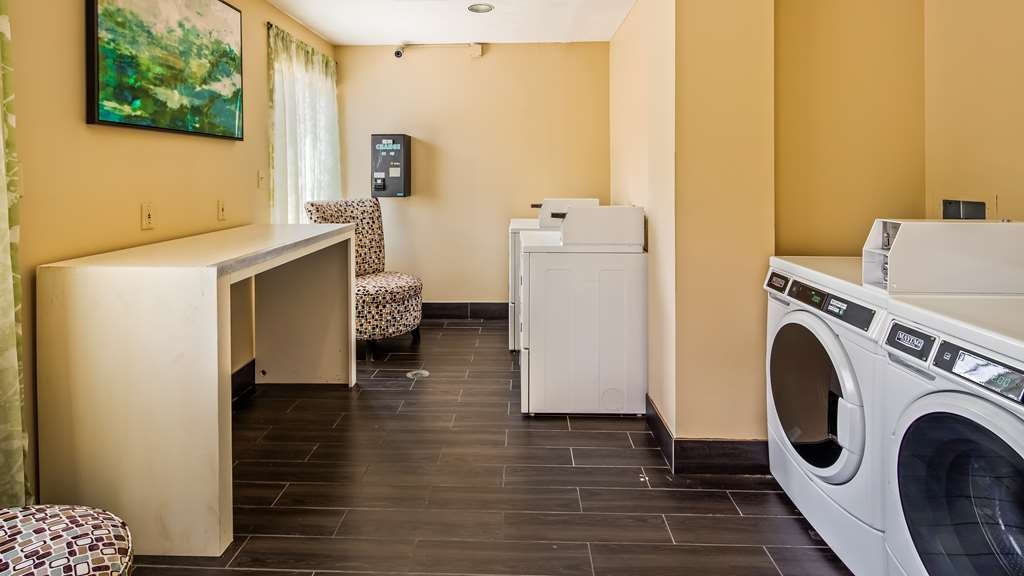Best Western Plus Sanford Airport/Lake Mary Hotel - Laundry Center