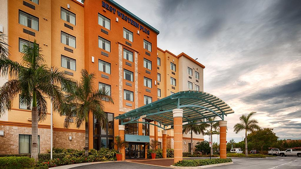 Best Western Plus Miami Executive Airport Hotel & Suites - Aussenansicht