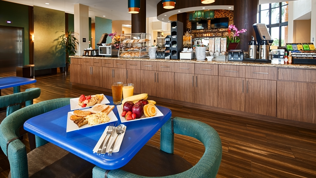 Best Western Plus Miami Executive Airport Hotel & Suites - Desayuno Buffet