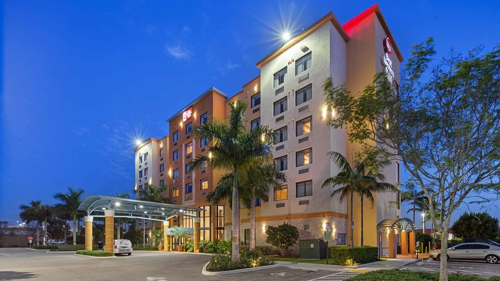 Best Western Plus Miami Executive Airport Hotel & Suites - Vista Exterior