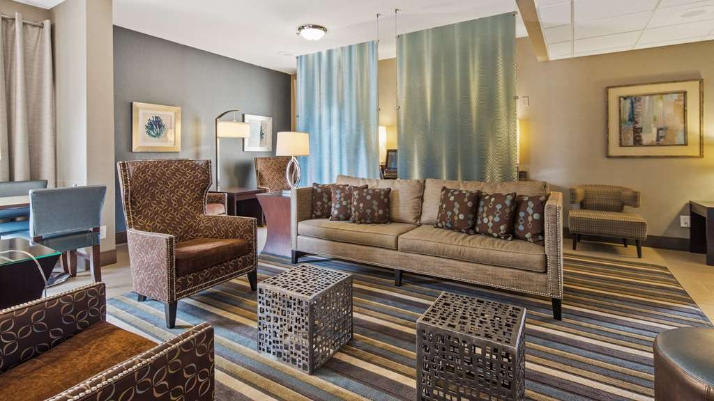 Best Western Plus Tallahassee North Hotel - Find a comfortable chair to chat with friends or flip through a magazine in our spacious lobby.