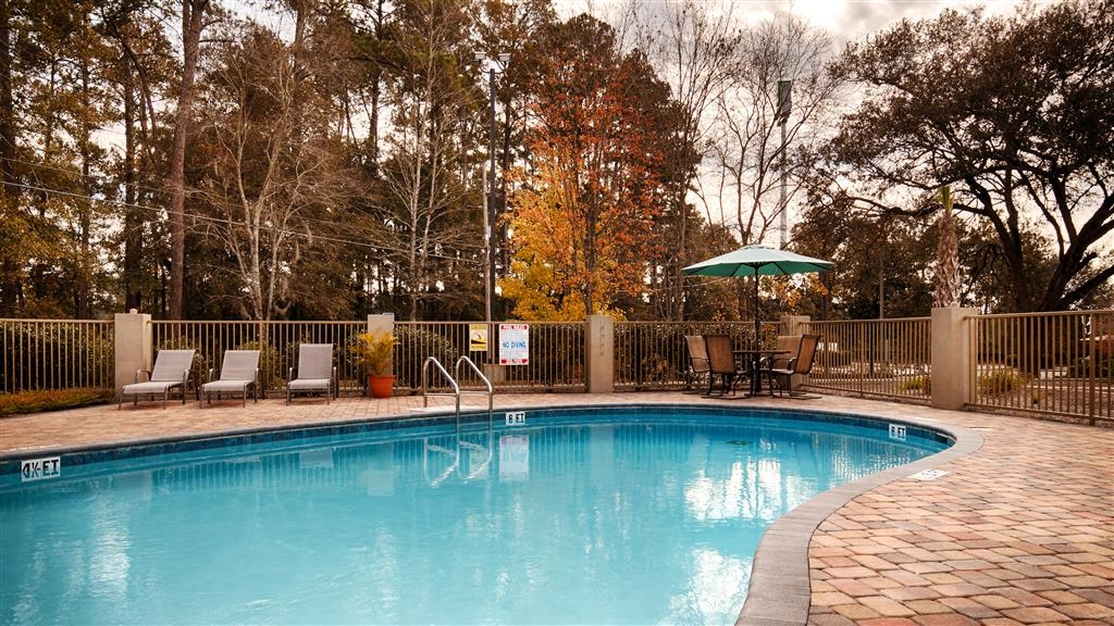 Best Western Plus Tallahassee North Hotel - Swimmingpool