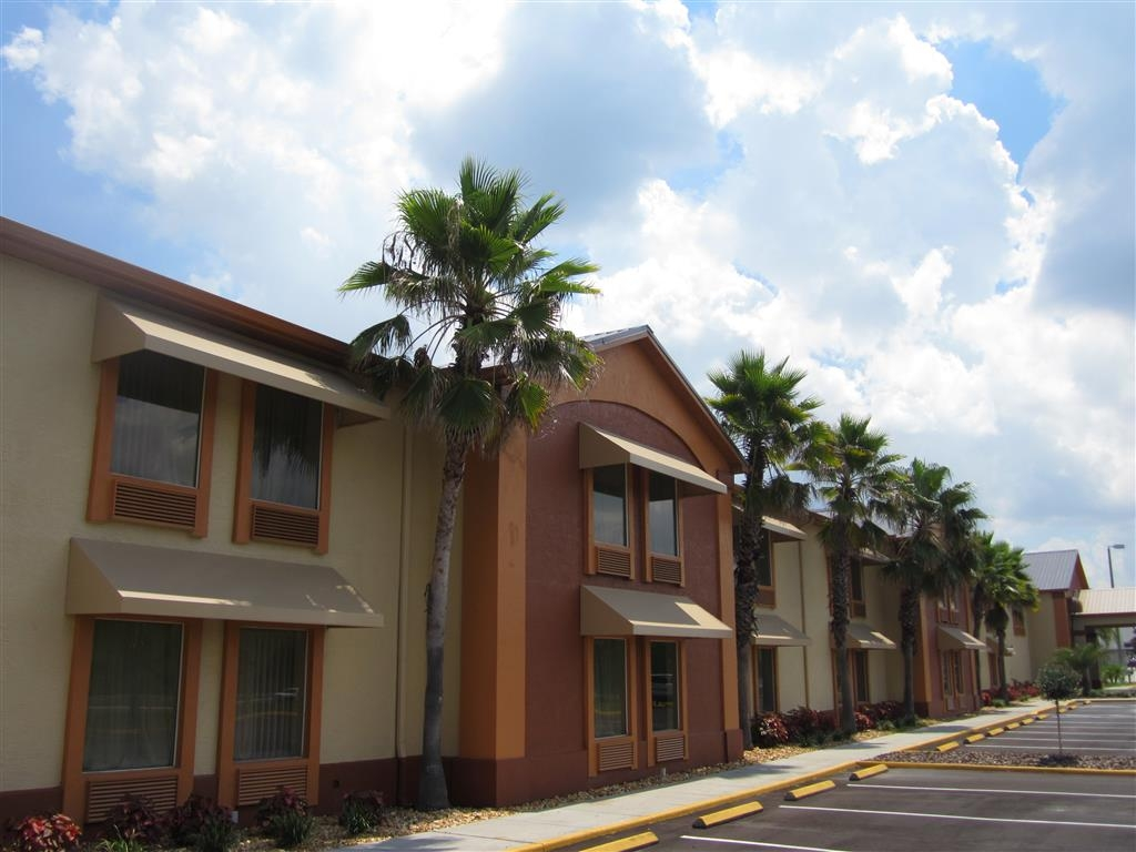 Best Western Mulberry Hotel - Exterior View of Hotel