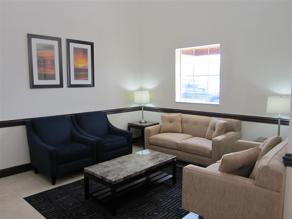 Best Western Mulberry Hotel - Appealing Lobby Sitting Area
