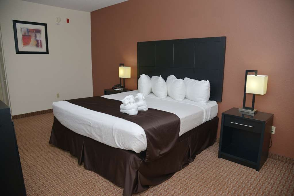 Best Western Mulberry Hotel - Comfortable Bed with Soft Pillow