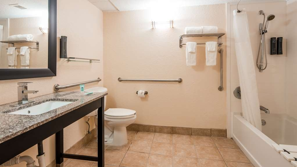 Best Western Mulberry Hotel - Guest Bathroom