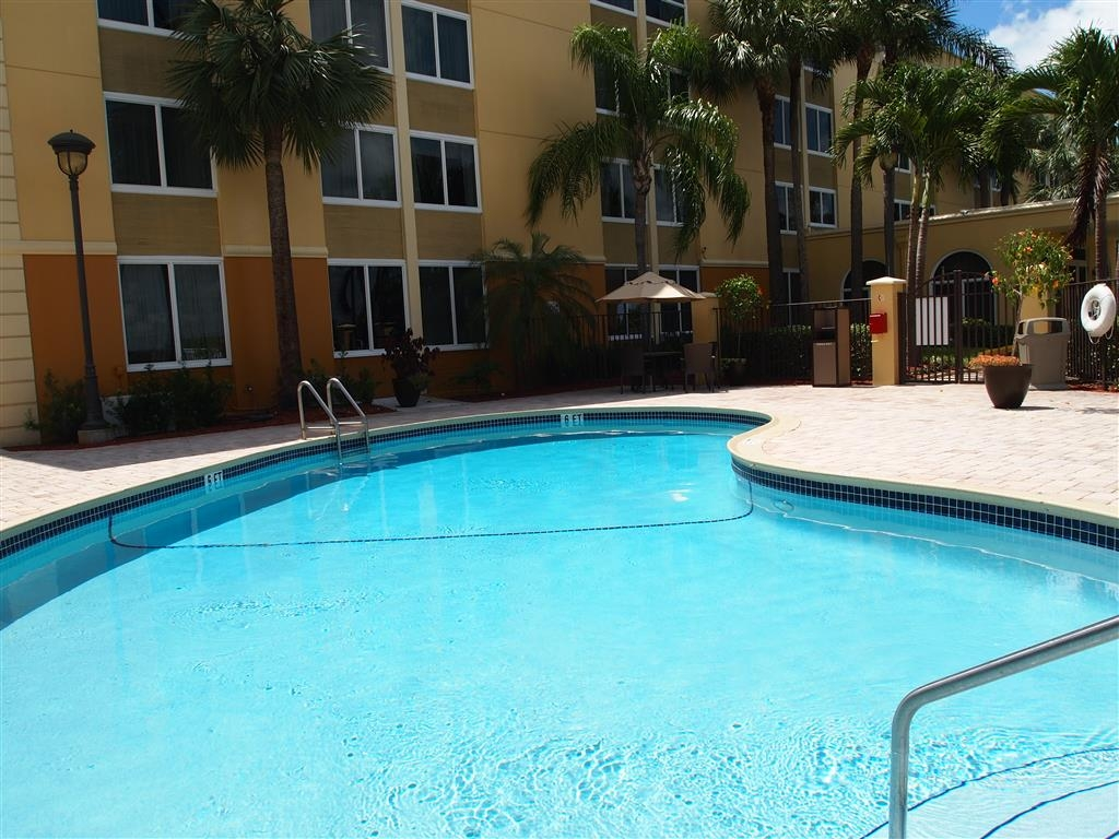 Best Western Ft. Lauderdale I-95 Inn - Blick auf den Pool