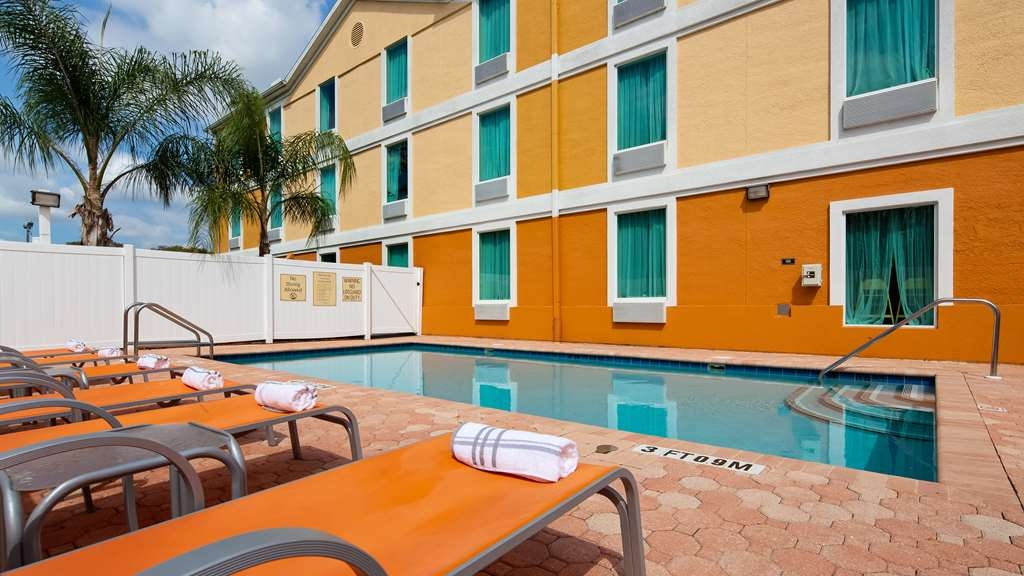 Best Western Wesley Chapel - Pool