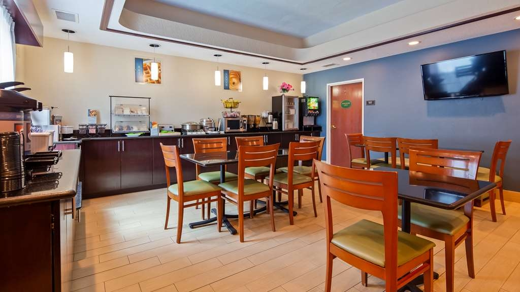 Best Western Wesley Chapel - Breakfast Area