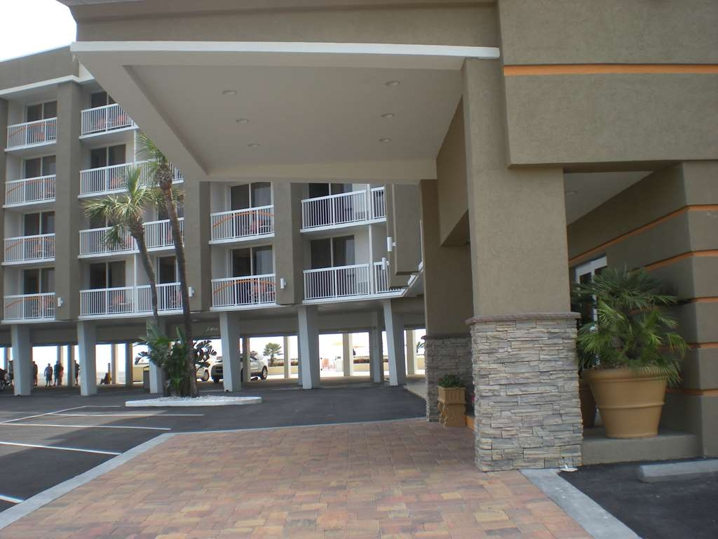 Best Western Daytona Inn Seabreeze Oceanfront - You'll enjoy yourselves at the new Best Western Daytona Inn Seabreeze.