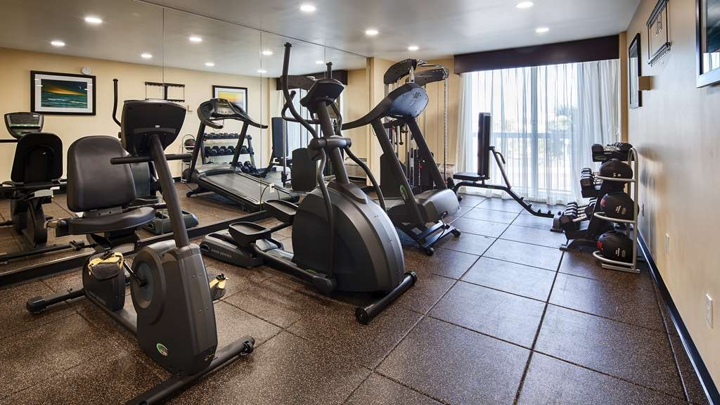 Best Western Daytona Inn Seabreeze Oceanfront - Our fitness center allows you to keep up with your home routine… even when you're not at home.
