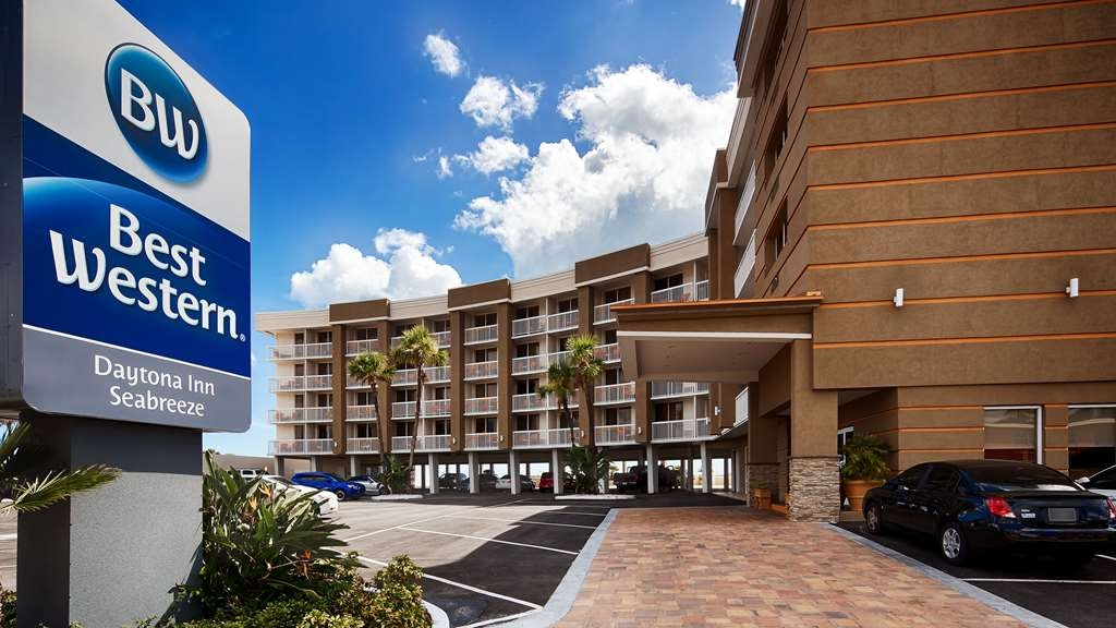 Best Western Daytona Inn Seabreeze Oceanfront - Make your stay special when you book a room at Best Western Daytona Inn Seabreeze Oceanfront.