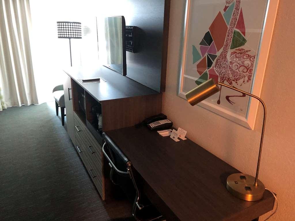 Best Western Plus Daytona Inn Seabreeze Oceanfront - Chambre d'agrément