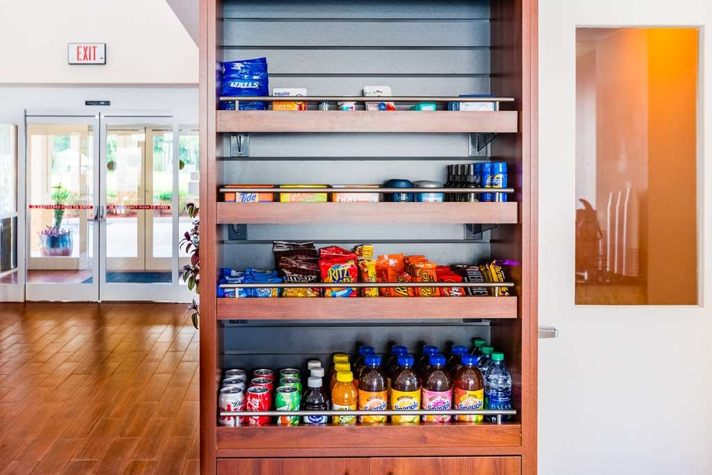 Best Western Milton Inn - Pantry