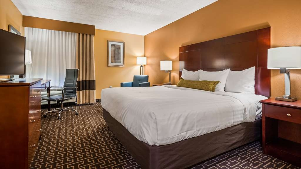 Best Western Milton Inn - King Guest Room