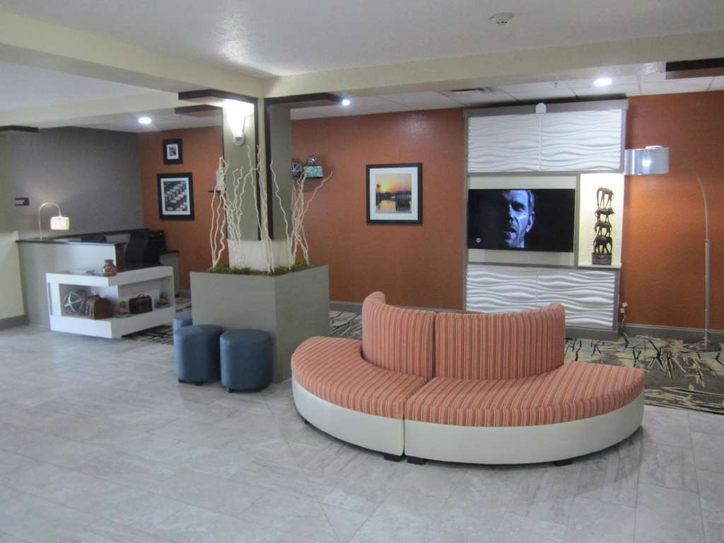 Best Western Waldo Inn & Suites - Our lobby has many unique and custom elements for you to enjoy.