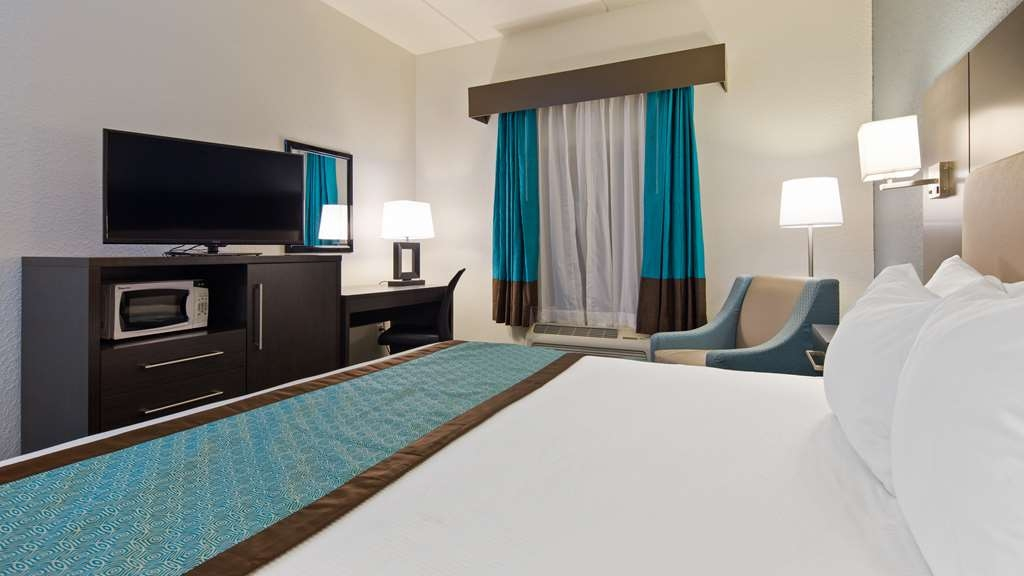 Best Western Waldo Inn & Suites - Our King Sized rooms also feature a microwave and small refrigerator.
